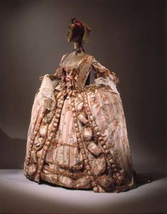 Very good view of a late Rococo gown, wide panniers, French silk 'Robe a la Francaise', 1775-1785
