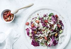 Quinoa-salad with ruhbarb, chicken and salted almonds.