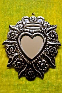 <3 Mexican sacred heart ©Mexico Import Arts (Australia)