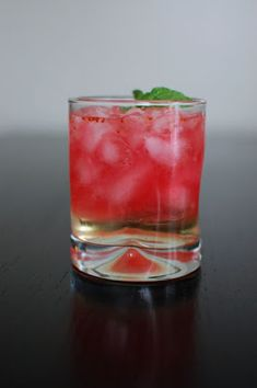 Cranberry Ginger Fizz Cocktail | Beantown Baker -- I'll do this with vodka instead of gin.