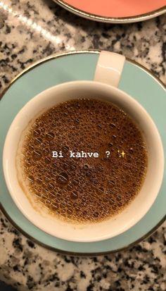 I Love Coffee, Coffee Break, Tea And Books, Coffee Instagram, Coffee Store, Instagram Story Ideas, Starbucks Coffee, Coffee Quotes, Snapchat