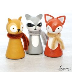 Animal peg dolls are a lot of fun to make! Here are a few project ideas that you can use for inspiration.The pictures are dividedinto severalcategories: farm animals, household pets, Easter bun…