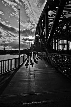 Hohenzollernbrücke in Köln / Hohenzollern Bridge in #Cologne