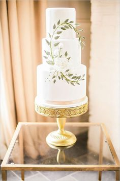 Ivy accented wedding cake by Sweet Fix