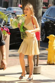 Lily-Rose Depp - Former High School's Graduation Ceremony in Glendale - Celebrity Nude Leaked! Lily Rose Depp Style, Lily Rose Melody Depp, Lily Depp, Johny Depp, African Traditional Dresses, Model Look, Iconic Women, Celebs, Celebrities