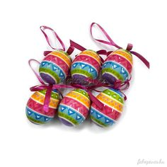 Húsvéti dekorációnkat jól variálhatjuk a különböző színű dekorációs elemekkel, így az egyik remek kiegészítő ötletünk 6 db-os színes mintás húsvéti tojás.
