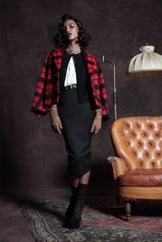 Dsquared Pre-Fall 2013 - black and white, red plaid capelet, camel gloves World Of Fashion, Fashion Show, Fashion Design, Milan Fashion, Latest Fashion, Vogue, Inspirational Celebrities, Designer Collection, Dsquared2