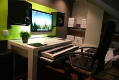 Wanna make this! http://hacktivision.org/home-studio-desk-ikea/home-studio-desk-ikea-2/