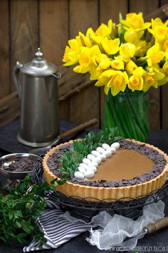 Mazurek coffee and raspberry. Sweet Recipes, Cake Recipes, Coffee Mousse, Polish Recipes, Easter Recipes, Easter Food, Sugar Rush, Beautiful Gif, Cake Decorating