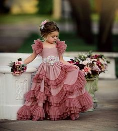 Kids outfits - Capped Sleeves Flower Girls Dresses For Weddings Tiered Kids Prom Gowns Lace Girls First Holy Communion Dress Baby Girl Party Dresses, Dresses Kids Girl, Birthday Dresses, Baby Dress, The Dress, Kids Outfits, Flower Girl Dresses, Girls Pageant Dresses, Kids Party Wear Dresses