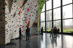 Nordwandhalle climbing gym in Hamburg offers bouldering, rope, autobelay, fitness area, gear shop and a café offering high quality (vegan) meals and coffee.