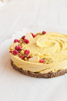 Raw vegan lemon cheesecake raw cake healthy recipe sugar-free - a href=&quo Raw Vegan Cake, Raw Vegan Desserts, Raw Cake, Raw Vegan Recipes, Vegan Dessert Recipes, Vegan Raw, Vegan Food, Paleo, Vegan Cupcakes