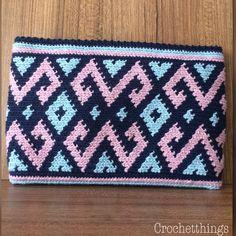 Crochet Wallet, Crochet Clutch, Knit Crochet, Hello Kitty Crochet, Tapestry Crochet Patterns, Peyote Stitch Patterns, Tapestry Bag, Pretty Patterns, Purses And Bags