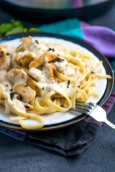 I'm tellin' you this Instant Pot thing is a game changer, especially for this Instant Pot Chicken Fettuccini Alfredo. It's quick, easy and DONE in 20!