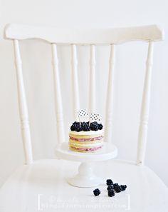 Friday Fika: Pancakes with Blackberries & Vanilla crème fraiche http://blog.florainspiro.com