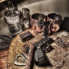 Some things just go perfect together! Good Cigars, Cigars And Whiskey, Cuban Cigars, Premium Cigars, Cigar Humidor, Cigar Room, Pipes And Cigars, The Smoke, Weekender