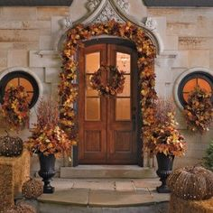 Front entry door decor, for the Autumn/Fall season, and Halloween decorating. ~ {cwlyons} ~ (Image: About.com - budget decorating)