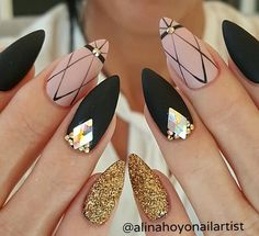 In seek out some nail designs and ideas for the nails? Listed here is our list of 32 must-try coffin acrylic nails for fashionable women. Gorgeous Nails, Love Nails, Pretty Nails, Trendy Nail Art, Stylish Nails, Nail Designs 2017, Beautiful Nail Designs, Stiletto Nails, Nail Arts
