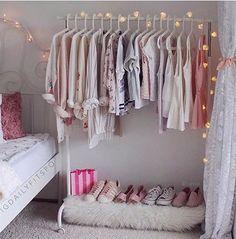 13 Creative Closet Hacks Every Fashion Girl Should Have - Dorm Room Hacks Ideas Closet Bedroom, Bedroom Storage, Master Closet, Wardrobe Storage, Clothes Rack Bedroom, Shoe Storage, Sneaker Storage, Dorm Storage, Master Room