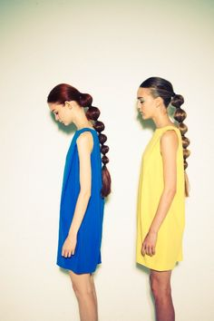 hair Bubble Ponytail, Summer Ponytail, Hair Arrange, Hair Shows, Dreads, Hair Inspo, Hair Inspiration, Hair Trends, Fun Ponytails