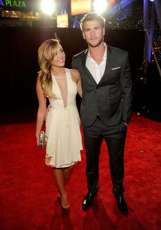 #mileycyrus and #liamhemsworth at the People's Choice Awards! #cute #couple
