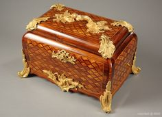 Rosewood inlaid Louis XV style jewelry casket with gilded bronze mounts - 1850