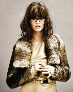 Glasses and a primo fringe from @redglassesblog.
