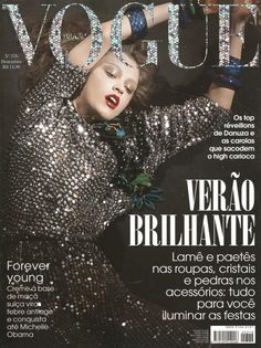 Vogue Brazil December 2009 : Madisyn Ritland by Stephane Gallois Vogue Magazine Covers, Fashion Magazine Cover, Fashion Cover, Vogue Covers, Magazine Wall, Elle Magazine, Vogue Editorial, Editorial Fashion, Fashion Shoot