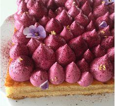 Mandeltærte med blåbær og blåbærguf
