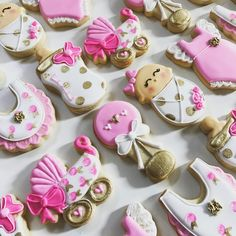 """15 Likes, 2 Comments - Katie Brown (@ruthiegracecakeco) on Instagram: """"Pink and gold baby shower cookies  #ruthiegracecakeco #decoratedcookies #sugarcookies…"""""""