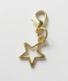 Charms - Charms  Anhänger goldfarben Stern Star - ein Designerstück von soschoen bei DaWanda