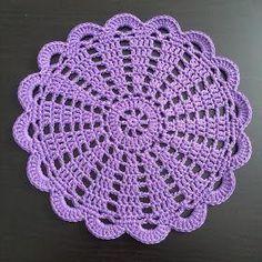 Crochet doily Step by step Tut Free Crochet Doily Patterns, Crochet Placemats, Crochet Coaster Pattern, Crochet Doily Diagram, Crochet Flower Tutorial, Crochet Quilt, Crochet Squares, Thread Crochet, Filet Crochet