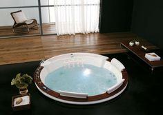 round round Jacuzzi bathtub