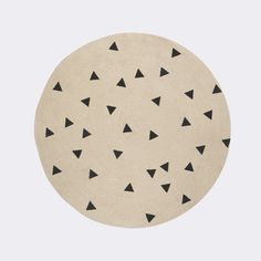 Discover the Ferm Living Jute Round Rug - Black Triangles at Amara Jute Carpet, Wall Carpet, Stair Carpet, Triangle Print, Triangle Design, Triangles, Circular Rugs, Tapis Design, Colores Paredes