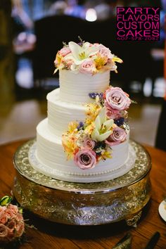 Buttercream wedding cake with fresh flowers [Real Flowers. More beautiful than fake]