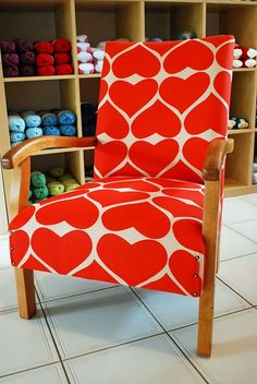 OMG, this is great - and a very similar chair to my ebay purchase that I plan to reupholster