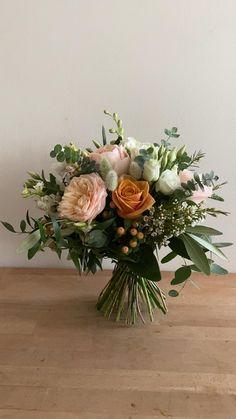 Spring Flower Arrangements, Artificial Flower Arrangements, Vase Arrangements, Beautiful Flower Arrangements, Romantic Flowers, Flower Centerpieces, Flower Vases, Beautiful Flowers, Flower Arrangements For Weddings