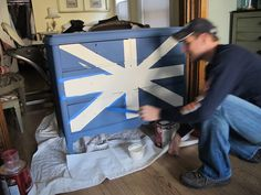 meg made designs: Painting a Union Jack/British Flag on a dresser tutorial Acrylic Furniture, Painted Furniture, Union Jack Dresser, Make Your Own, Make It Yourself, Make Design, Restoration Hardware, Pottery Barn, Signage