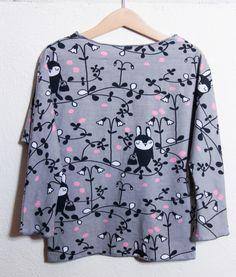 Pour continuer avec la marque Paapii Design, mais cette fois avec un tissu choisi à deux, j'ai fait un nouveau t-shirt à manches longues pour la mini. Grand frère des versions déjà présentées…