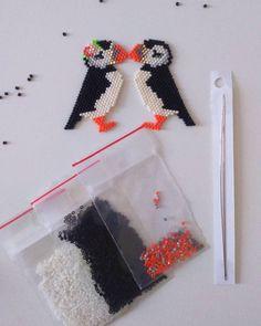 On y est!!!!! CONCOURS !!!!! Vous êtes 200 à me suivre petits foufous ! Pour vous remercier (je n'aurais jamais pensé arriver à ce nombre) je m'associe avec @loisirs_et_couleurs, un magasin de beaux-arts et loisirs créatifs de Nancy, pour offrir à 2 d'entre vous un kit Macareux: les diagrammes papier, une paire d'aiguilles et les perles nécessaires à la fabrication de Pétronille et Aristide. C'est y pas beau? Pour cela c'est facile il faut me suivre (mais vous êtes 200 !!!!!) et suivre…