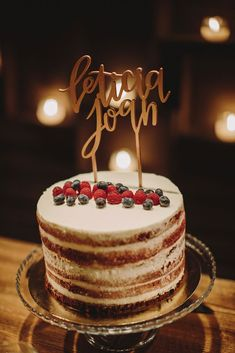 Wedding cake. Wedding planned and designed by Bodas de Cuento. Photography: Raquel Benito // Tarta de boda. Boda organizada y diseñada por Bodas de Cuento. Foto: Raquel Benito