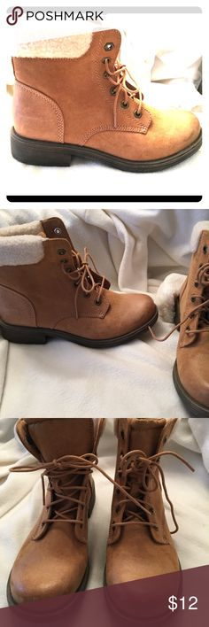 Women's suede alpine boot This Timberland inspired Alpine boot is in like new condition.  Perfect compliment to wear with skinny jeans and a plaid top or tribal sweater/cardigan. Color is camel. Shoes Ankle Boots & Booties