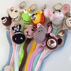 Chupeteros para bebe ~ Trapito Bebé Diy Crochet And Knitting, Crochet Books, Crochet Poncho, Crochet Gifts, Loom Knitting, Baby Knitting, Crochet Bookmark Pattern, Crochet Bookmarks, Crochet Patterns