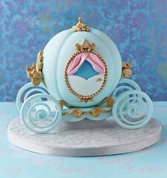Cinderella's carriage cake
