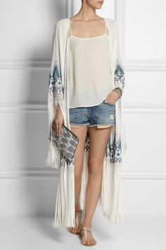 Talitha Myra fringed embroidered silk-georgette kimono jacket with denim shorts and spagetti tank Grunge Style, Love Fashion, All About Fashion, Spring Summer Fashion, Autumn Fashion, Kimono Jacket, Silk Kimono, Look Short, Keds