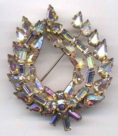 Vintage Jay Kel Aurora Borealis Leaf Brooch #JayKel