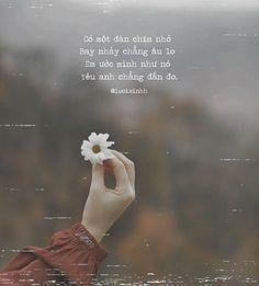 Status Quotes, Bff Quotes, Quotes Girls, Kite Quotes, Instagram Status, Korean Quotes, Caption Quotes, Life Words, Editing Pictures