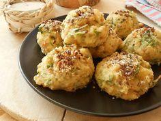 Ψητές τυροκροκέτες με μπαγιάτικο ψωμί - http://www.zannetcooks.com/recipe/stalebreaddumplings/