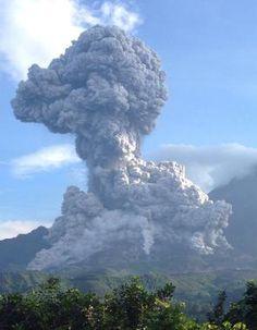 ANDA! Volcán guatemalteco Santiaguito registra fuerte erupción...