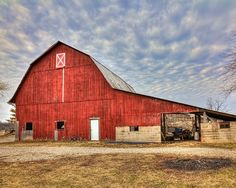 Large Red Barn In Champaign County